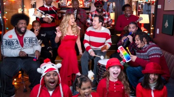 Mariah Carey, Jimmy Fallon Sing Christmas Classic