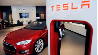 Tesla to Release Lower-Priced Versions of Model S Car