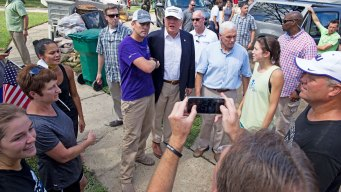 Trump Visits Flood-Ravaged Baton Rouge