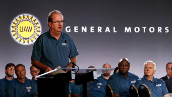 UAW President Taking Leave Amid Corruption Probe