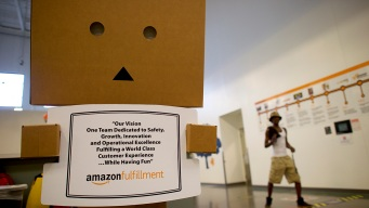 Amazon 'Ambassadors' Defend Working Conditions on Twitter