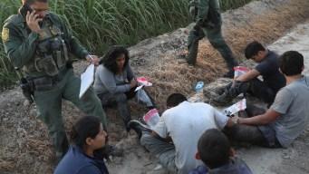 Immigrants Fleeing Gangs Prefer Taking Chance for US Asylum