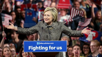 Clinton Campaign Offers 'Woman Card' to Donors