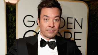 Golden Globes 2017 Opens With a Broken Teleprompter and Host Jimmy Fallon Handles It Like a Champ