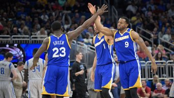 Draymond, Iguodala Will Play Against the Pelicans