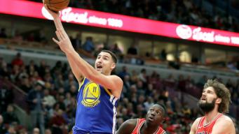 Steph, Klay Lead Warriors to 14th Straight Road Win