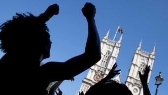 Royal Wedding Rehearsal Fills London Streets