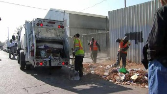 Oakland's Bulky Block Parties Curb Illegal Dumping