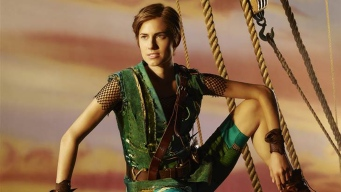 Allison Williams as Peter Pan Photo Debuts