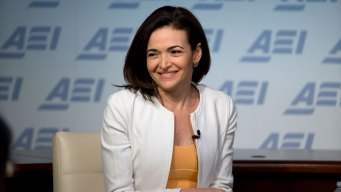 Facebook's Sandberg Favors Release of Russia-Linked Ads