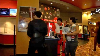 'Star Wars' Fans Swarm to Theaters For 'The Last Jedi'