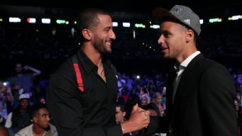 Steph Curry Supports Kaepernick But Won't Be Following Suit