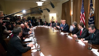 Trump Flips on Trade Pact, Weighs Rejoining Pacific-Rim Deal