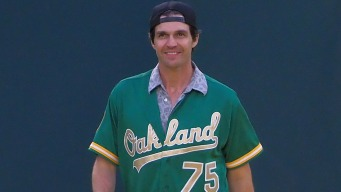Barry Zito Returns to Oakland Feeling Like New Person After MLB Career