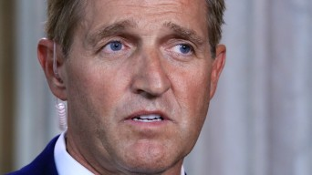 Flake to Denounce Trump Media Attacks as Stalinist