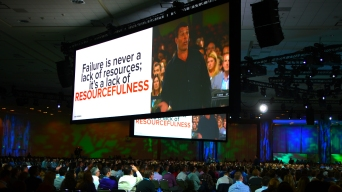 Tony Robbins Energizes Tech Disruptors at Dreamforce