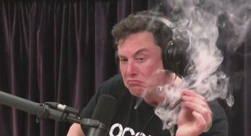 Elon Musk Smokes Weed, Lights Up Twitter
