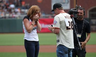 Post-Anthem Marriage Proposal Likely a First for Giants