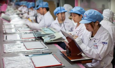 Apple Supplier Foxconn May Build U.S. Plant