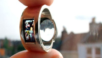 Projector Ring Lets You Shine Your Memories on the Wall