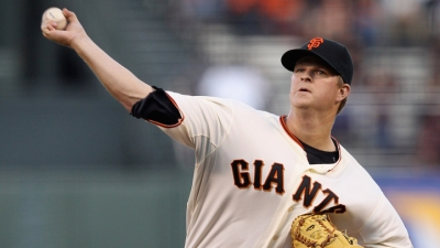 Cain Helps Giants Take Series From Phillies