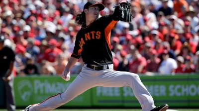 Weaver, Lincecum Both Sharp as Angels beat Giants