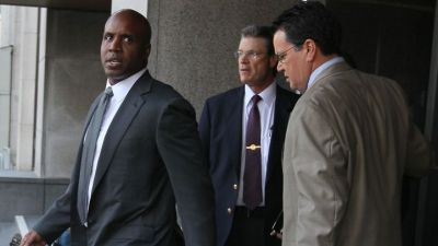 Bonds Trial Takes Odd Turn on Monday