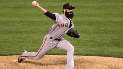 Brian Wilson Turns Ankle in Giants Win