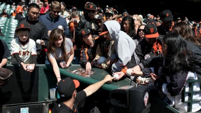 Giants Fall from 7th to 14th Most Popular