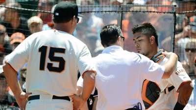 Giants Put Hector Sanchez on DL
