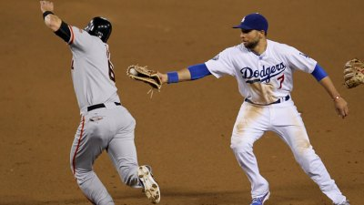 James Loney Punked the Giants Tuesday