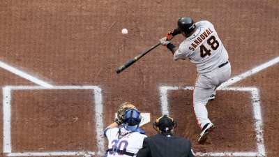 Pablo Sandoval Ties Willie Mays' Hit Streak