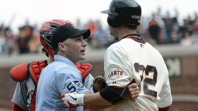 Arroyo Apologizes for Throwing at Vogelsong