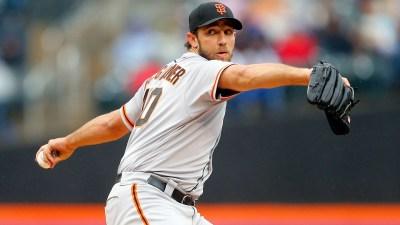 Bumgarner, Giants Avoid Sweep, Top Mets