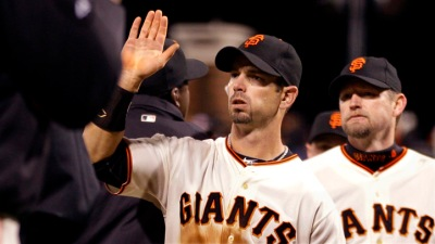 Giants Rally Twice to Topple Dodgers 5-4