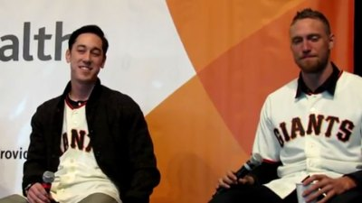 Tim Lincecum, Hunter Pence Imitate One Another