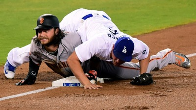 Giants' Brandon Crawford Exits Early With Dislocated Pinky