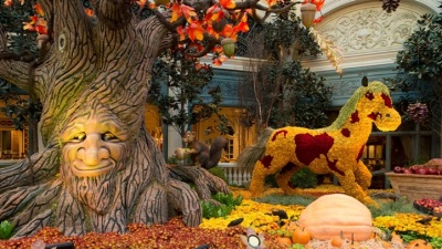 Bellagio Whimsy: Autumn Arrives in Sin City