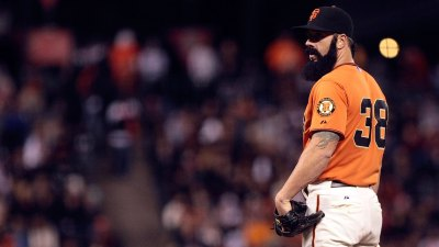 Brian Wilson Attempting MLB Comeback as Knuckleballer