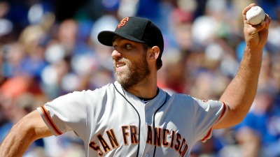 Bumgarner K's 10 Cubs, Lifts Giants to Win