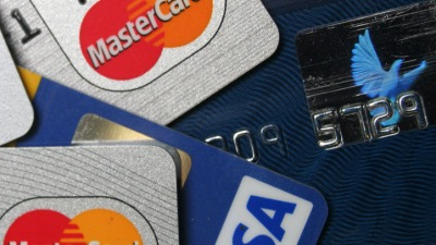 People Distrust Apple, Google With Mobile Payments