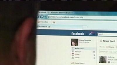 Facebook's Online Rudeness Ruins Offline Relationships