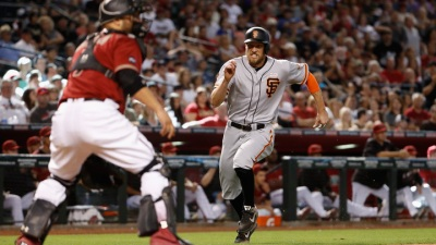 Giants Rally to Beat D'backs, Complete Sweep