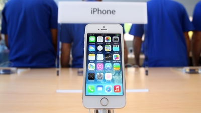 Want a Cheap iPhone? Look on eBay