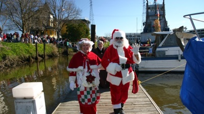 Santa's Petaluma Ride: A Riverboat
