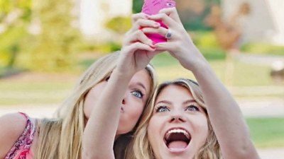 Snapchat Tells Teens: No More Nude Pictures!