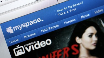 Google, NewsCorp Sued Over MySpace Sale