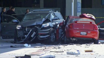 1 Killed, 5 Hospitalized in Airport Car Crash