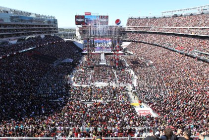 Sold-Out Crowd Descends on Levi's for WrestleMania