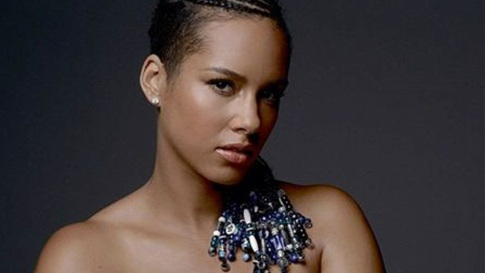 Pregnant Alicia Keys Poses Completely Nude for Charity ... Alicia Keys Instagram